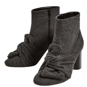 Zara grey boots with bow